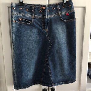BCBG Max Azria Blue jean skirt size 8